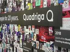 "<strong>""20 JAHRE QUADRIGA"" MESSESTAND /</strong><br/ >Corporate Identity"